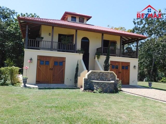 RE/MAX real estate, Belize, Carmelita, #2041 – RIVERSIDE 2 BEDROOM HOUSE IN ECO-VILLAGE NEAR SAN IGNACIO, CAYO DISTRICT.