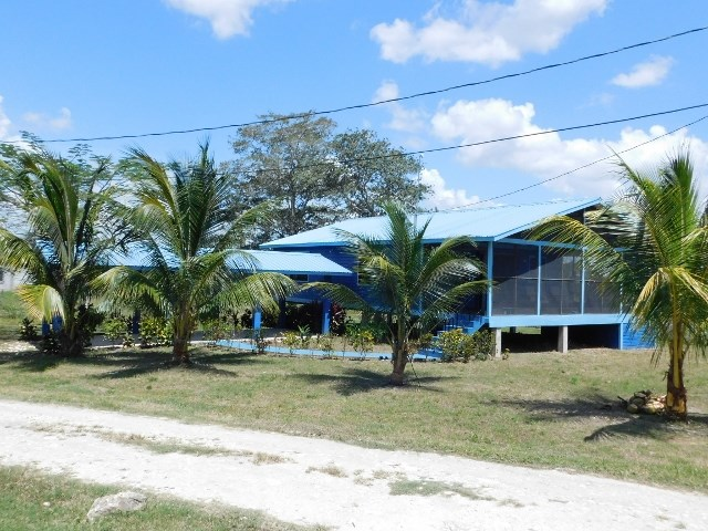 Remax real estate, Belize, San Ignacio, (#2306) - A 2 BEDROOM, 2 BATHROOM HOUSE IN SAN IGNACIO, CAYO DISTRICT