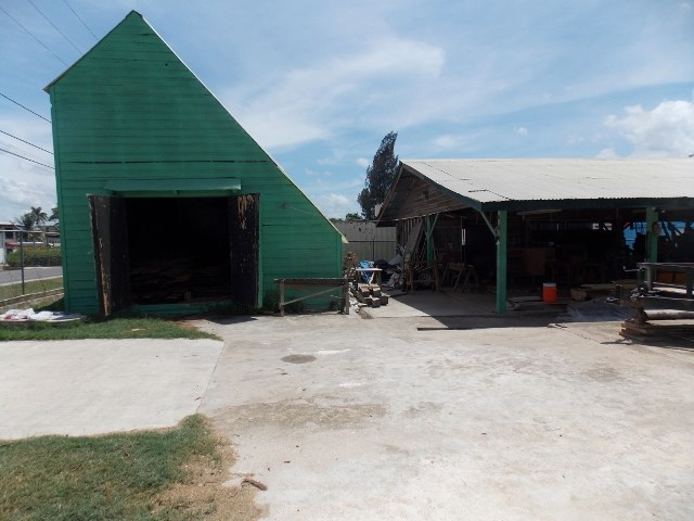 RE/MAX real estate, Belize, San Ignacio, (2364) -  A COMMERCAIL PROPERTY WITH 4 BUILDINGS LOCATED ON A MAIN ROAD IN SAN IGNACIO.