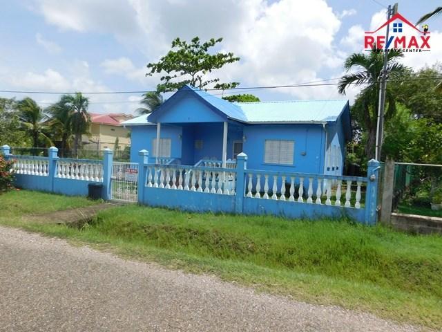 RE/MAX real estate, Belize, Belmopan, #2066 - A 3 BEDROOM HOUSE IN A GOOD AREA OF BELMOPAN CITY.
