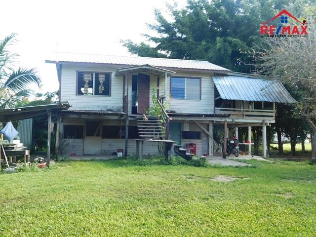 RE/MAX real estate, Belize, Spanish Lookout, #2074 - 2.5 ACRES OF LAND WITH HOUSE NEAR SPANISH LOOKOUT, CAYO DISTRICT