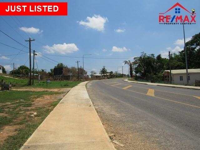 RE/MAX real estate, Belize, San Ignacio, # 4015 - 3 LOTS IN PRIME LOCATION + 3 BEDROOM HOUSE - NEAR SAN IGNACIO TOWN