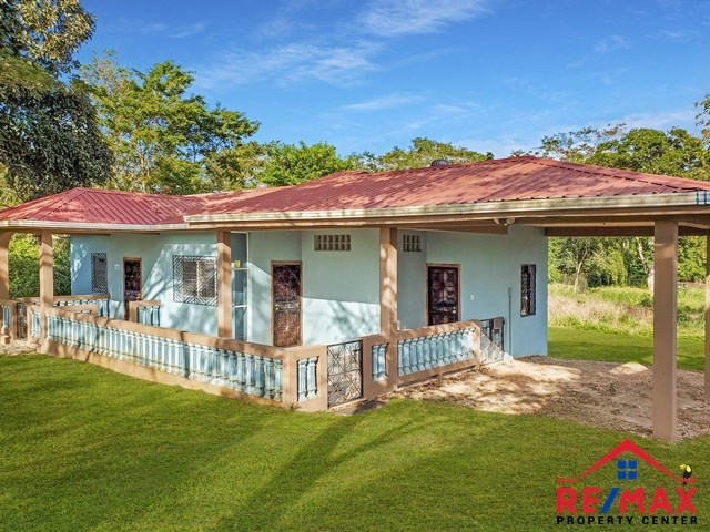 RE/MAX real estate, Belize, San Ignacio, # 4036 - Two Bedroom Single Family Home on Large Lot in a Quiet Area of San Ignacio - Cayo, Belize