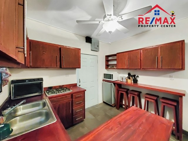 RE/MAX real estate, Belize, San Ignacio, # 4038 - Lovely Two Bedroom Bungalow Style Home near downtown San Ignacio, Cayo District