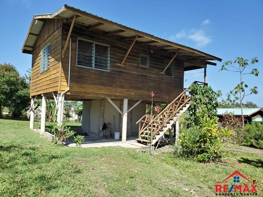 Remax real estate, Belize, San Ignacio, # 4043 - Heather's Hideaway - Investment Property with Three Self-Sustaining Cabana + Pool on a Large Lot in San Ignacio Town