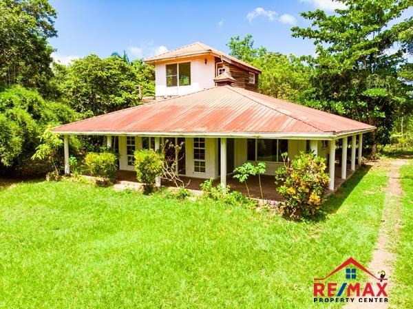 RE/MAX real estate, Belize, San Ignacio, # 4057 - Hilltop Fixer-Upper Resort Type Property on 14 Acres of Land with Spectacular Views in Western Belize