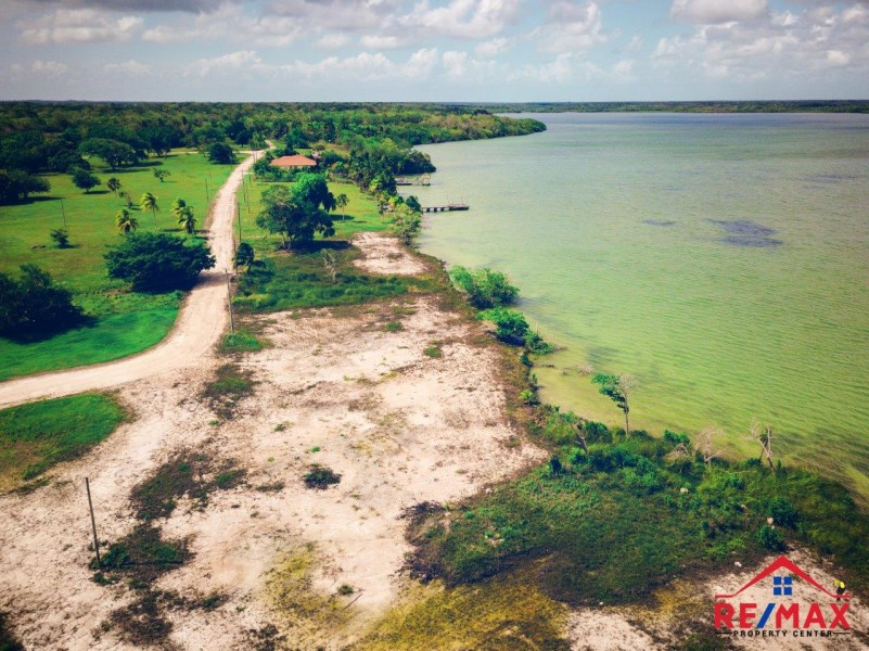 RE/MAX real estate, Belize, Progresso, Waterfront Lot in Progresso Heights, Corozal, Belize