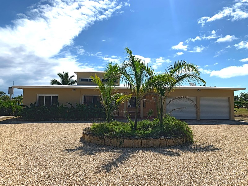 RE/MAX real estate, Belize, Consejo, AMAZING 3 BED/ 3 BATH HOME NEXT TO GOLF COURSE