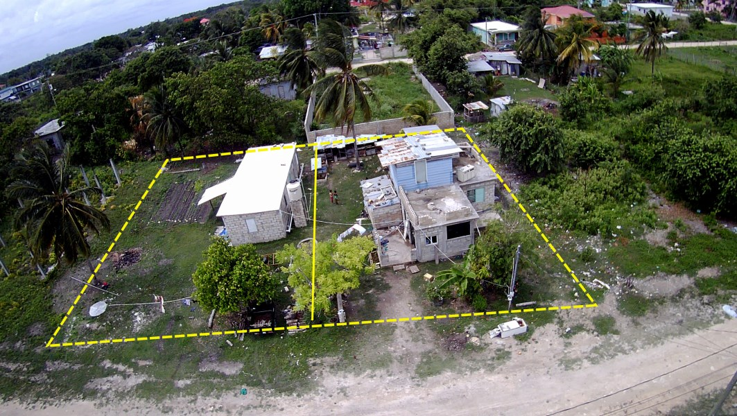 RE/MAX real estate, Belize, Corozal Town, DOUBLE LOT WITH SMALL HOUSE & APARTMENT BUILDING IN COROZAL TOWN