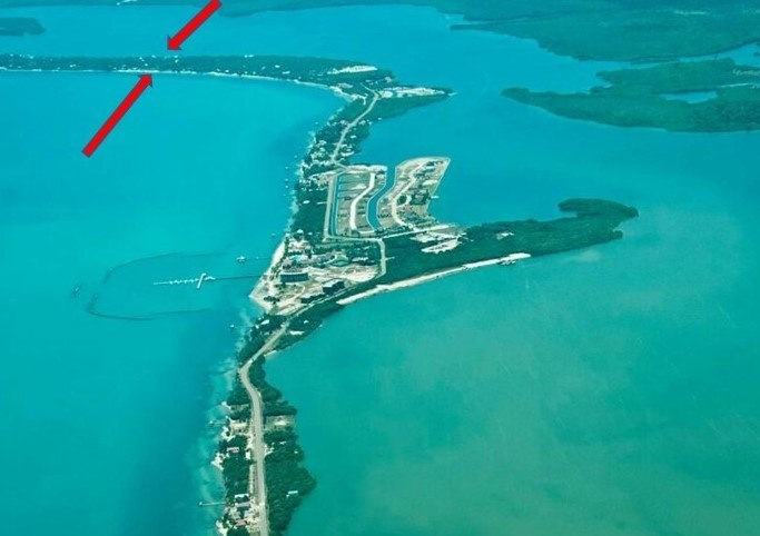 RE/MAX real estate, Belize, Placencia, Sea one side lagoon the other