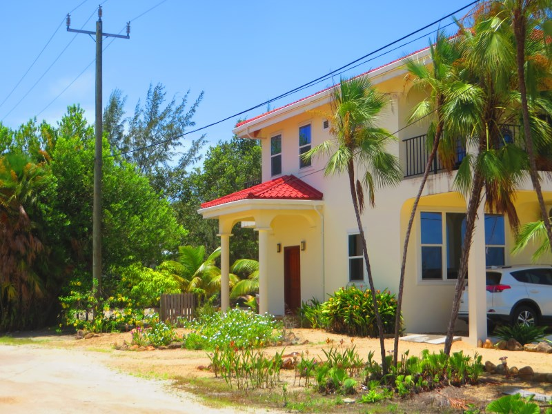 RE/MAX real estate, Belize, Maya Beach, Concrete home in Maya Beach
