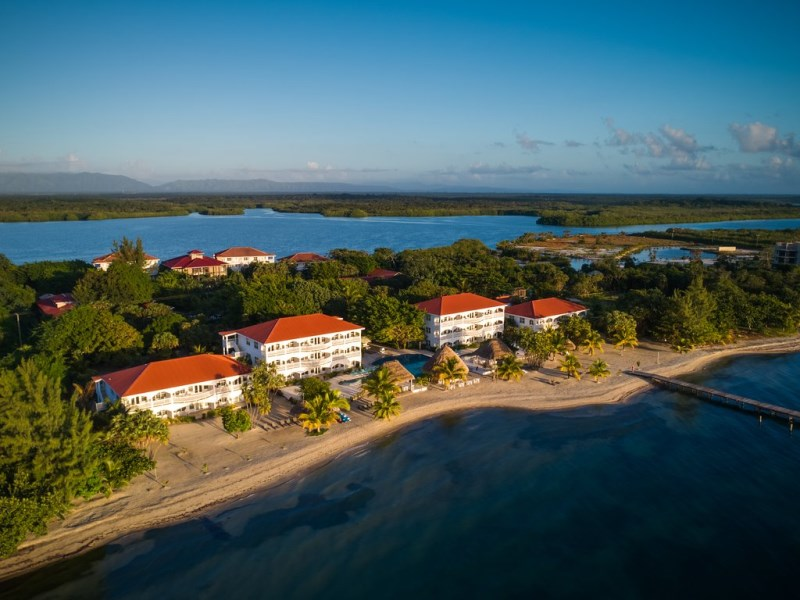 Remax real estate, Belize, Maya Beach, 2 Bedroom Beachfront Condo – Financing Available