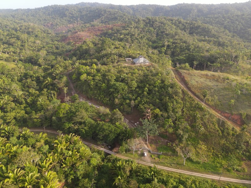 Remax real estate, Belize, Middlesex, 50 Acres - Hummingbird Mountain View Home