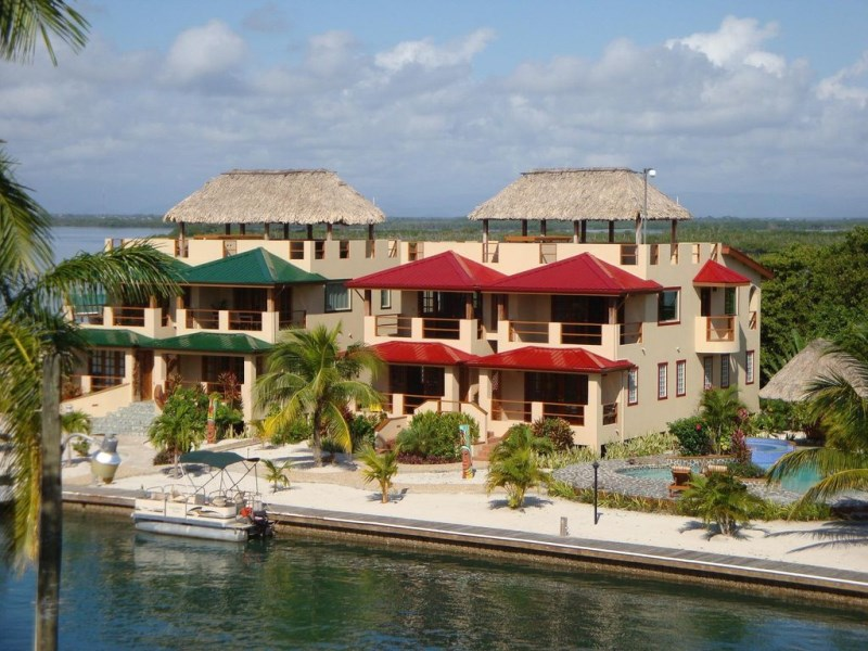 RE/MAX real estate, Belize, Placencia, Awesome Rental Unit At Placencia Point Townhouse