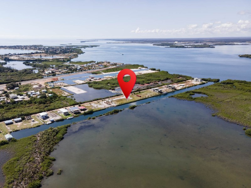 RE/MAX real estate, Belize, Placencia, Waterfront Lot in Vista Cove