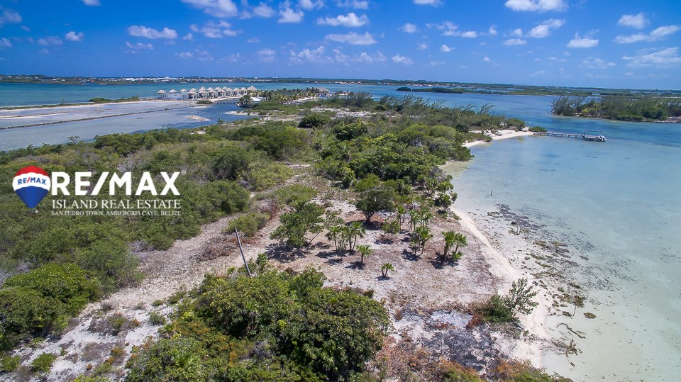 RE/MAX real estate, Belize, San Pedro, Beachfront Land - Laguna Estates