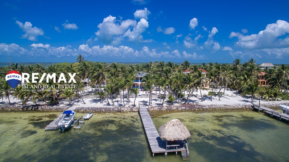 RE/MAX real estate, Belize, Ambergris Caye, Casa Beth-Car Beachfront Home