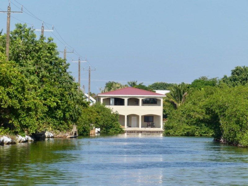 RE/MAX real estate, Belize, Placencia, WATERFRONT - CUSTOM HOME