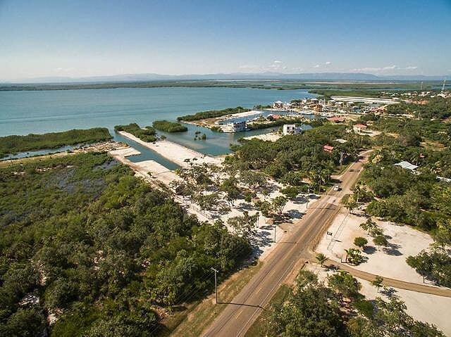 RE/MAX real estate, Belize, Placencia, Marina \ Lagoon with Acreage