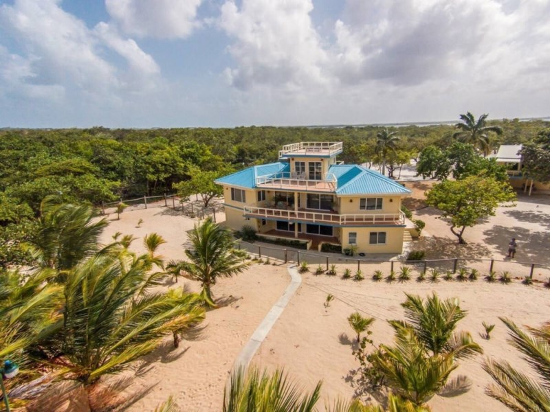 RE/MAX real estate, Belize, Placencia, Development Opportunity or Family Compound (Sea to Lagoon - 6 Acres)