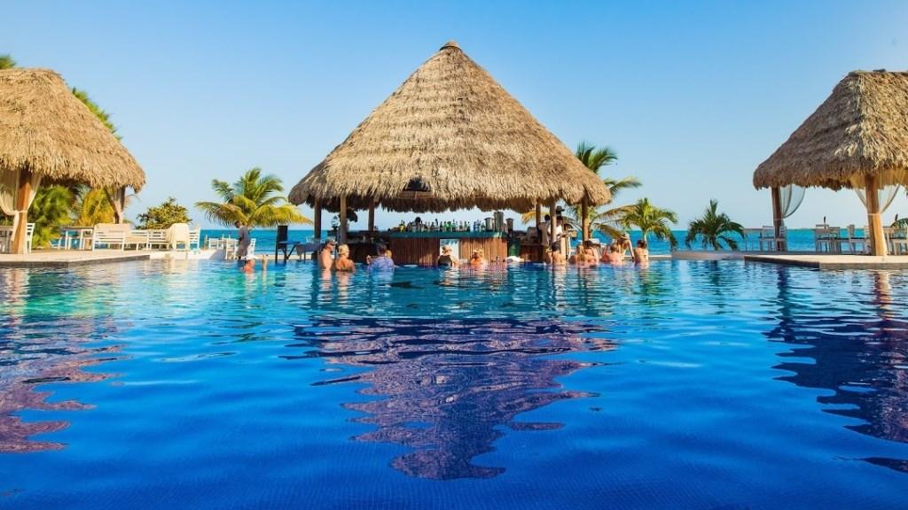 RE/MAX real estate, Belize, Placencia, Stunning 2 Bedroom Beachfront Condo at Umaya Resort