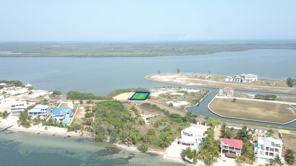 RE/MAX real estate, Belize, Placencia, Lowest priced Lagoon Lot in Plantation