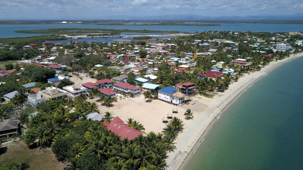 RE/MAX real estate, Belize, Placencia, 5 Bedroom Income Producing Guesthouse