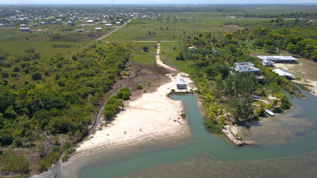 RE/MAX real estate, Belize, Independence, Large ocean front parcel with home in Malacate, Independence