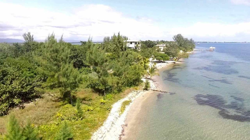 RE/MAX real estate, Belize, Placencia, Large beachfront development lot in Maya Beach