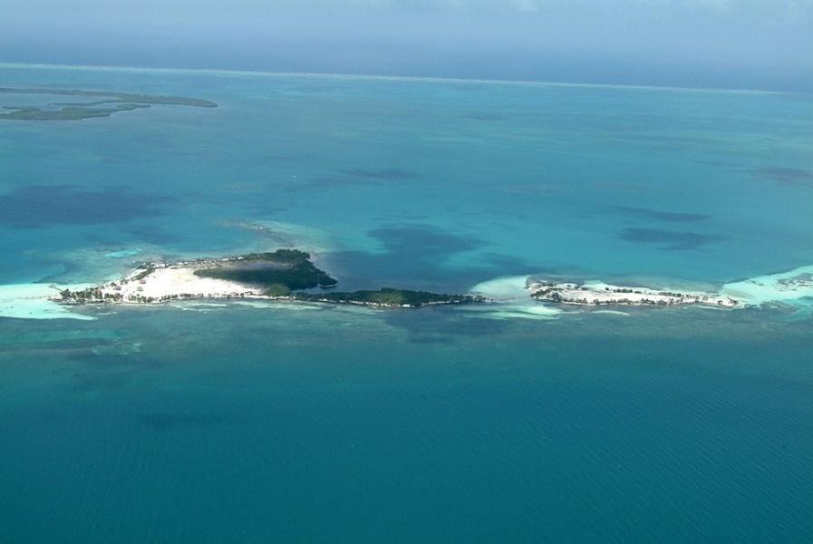 Remax real estate, Belize, Dangriga, South Cocoplum Caye