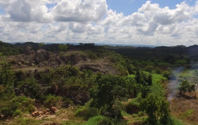 Remax real estate, Belize, Belmopan, 6 & 5 Acre lots on the Hummingbird Highway near Belmopan