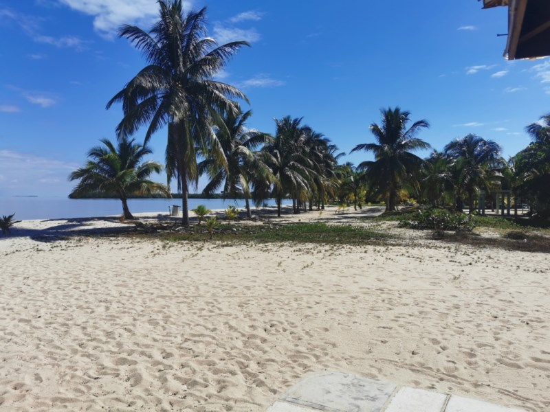 RE/MAX real estate, Belize, Placencia, Beachfront Lot in the heart of Placencia Village