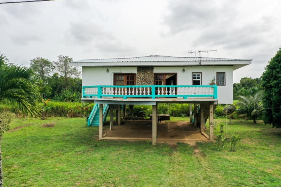 RE/MAX real estate, Belize, Sittee River, Family or Retirement Home - VIP-H001