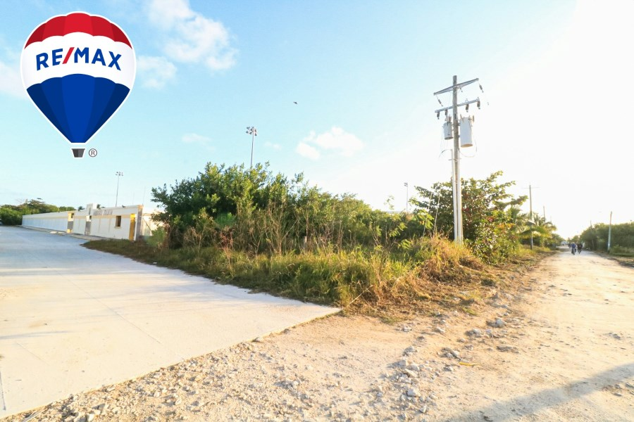 RE/MAX real estate, Belize, Ambergris Caye, Soccer Stadium Lot