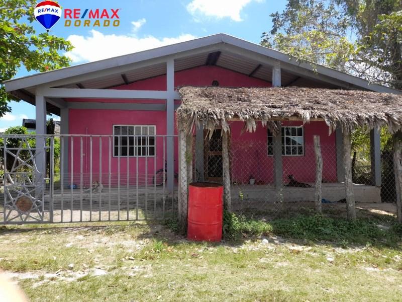 RE/MAX real estate, Belize, Orange Walk, Residential 4-bedroom, 2 Full Bath dwelling