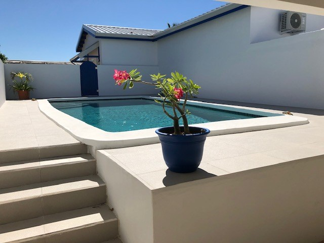 RE/MAX real estate, Sint Maarten, Beacon Hill, Beacon Hill 3 bedroom Villa, garage, pool and 1 bed apt. for Sale