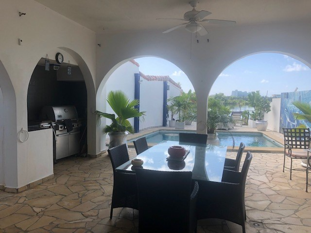 RE/MAX real estate, Sint Maarten, Point Pirouette, Point Pirouette with Pool and Boat Dock