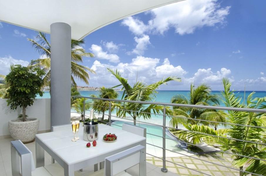 RE/MAX real estate, Sint Maarten, Simpson Bay, Las Arenas Reduced Income property !