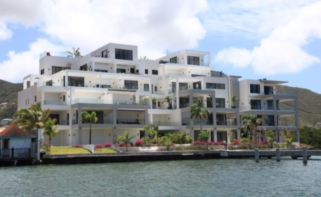 RE/MAX real estate, Sint Maarten, Simpson Bay, Las Brisas Penthouse with Rooftop pool REDUCED
