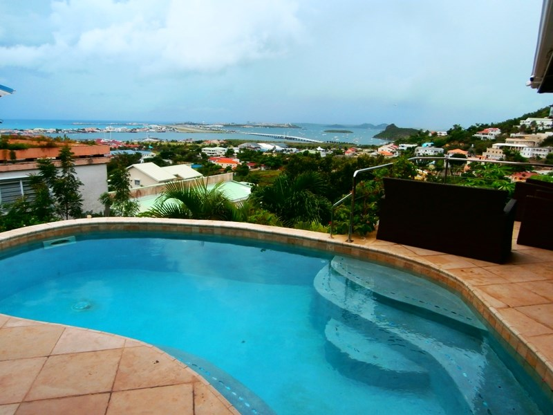 RE/MAX real estate, Sint Maarten, Almond Grove, Almond Grove Chateau