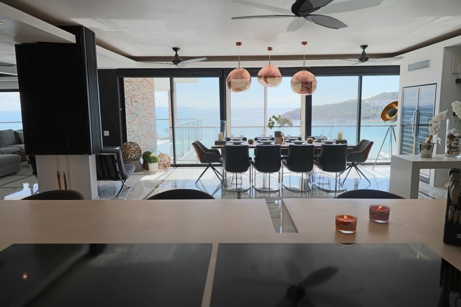 RE/MAX real estate, Sint Maarten, Guana Bay, Superb Penthouse at Guana Bay