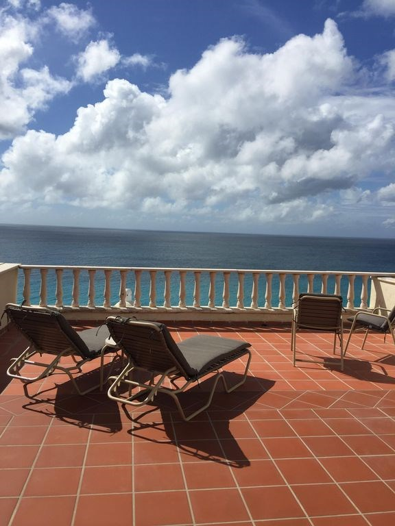 RE/MAX real estate, Sint Maarten, Cupecoy, Rainbow Beach Club with Rooftop