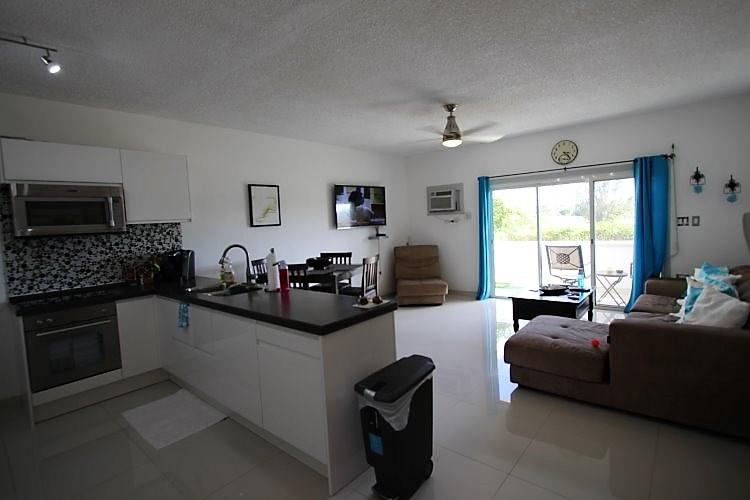 RE/MAX real estate, Sint Maarten, Maho Area, Vista Verde Charming Condo