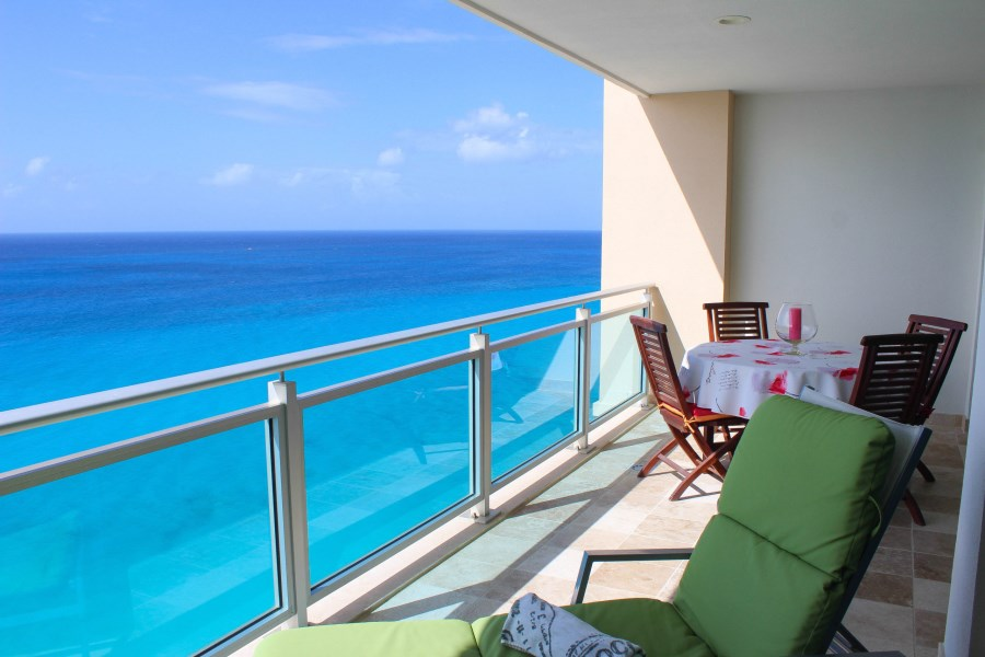 RE/MAX real estate, Sint Maarten, Cupecoy, The Cliff Cupecoy