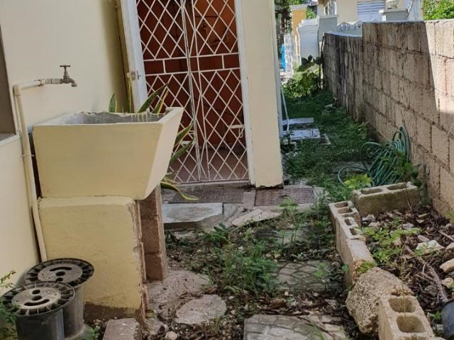 RE/MAX real estate, Jamaica, Greater Portmore, WALKWAY 7 PHASE 4 BRAETON St. Catherine Greater Portmore