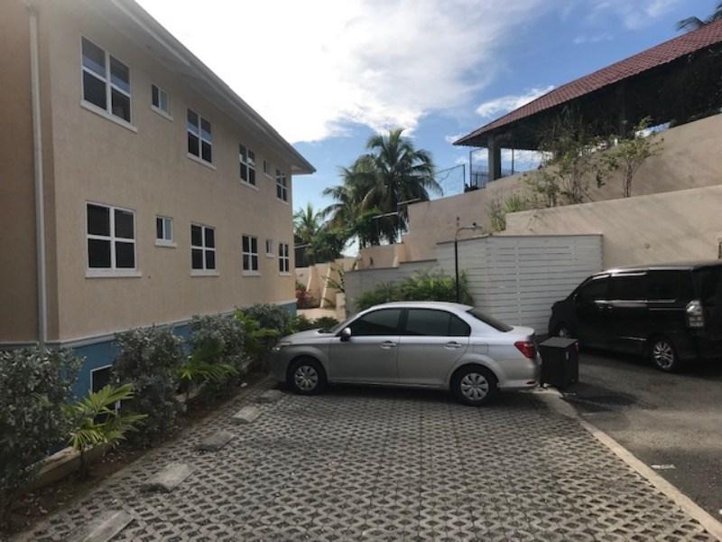 RE/MAX real estate, Jamaica, Kingston 8, 5 Graham Heights  Kingston & St. Andrew Kingston 8