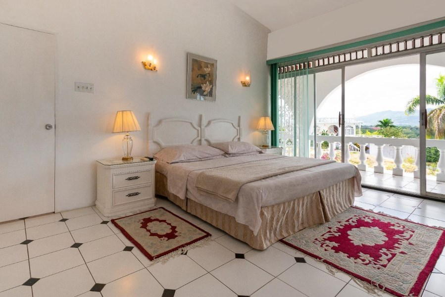 RE/MAX real estate, Jamaica, Montego Bay, UNION STREET St. James Montego Bay