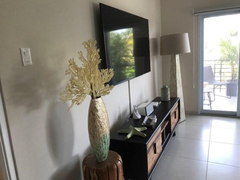 RE/MAX real estate, Jamaica, Kingston 8, 16 Cherry Garden View  Kingston & St. Andrew Kingston 8
