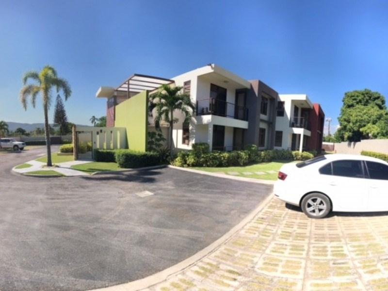 RE/MAX real estate, Jamaica, Kingston 6, 10 University Crescent Kingston & St. Andrew Kingston 6
