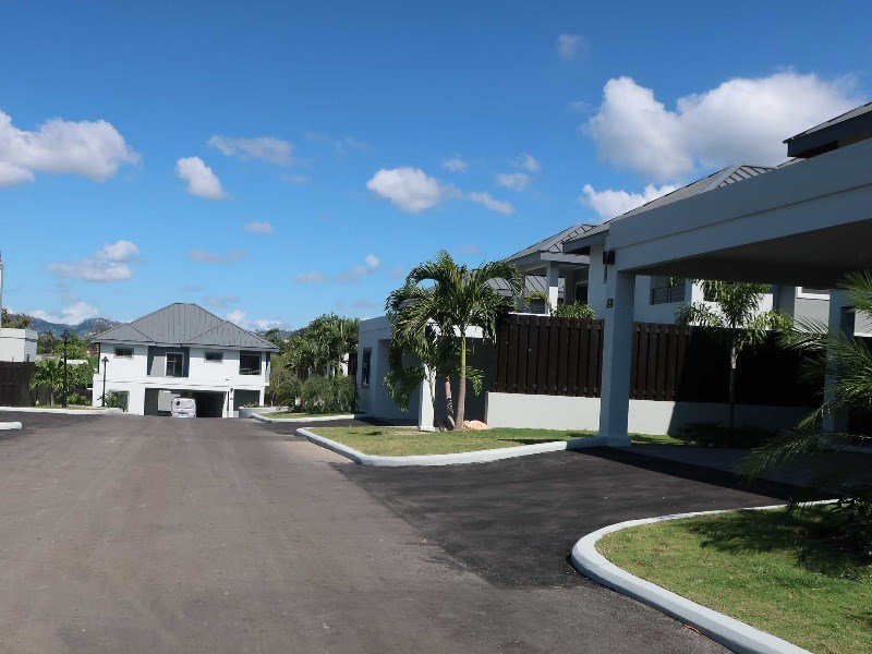 RE/MAX real estate, Jamaica, Jacks Hill, 25-27 Millsborough Avenue Kingston & St. Andrew Jacks Hill